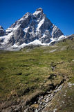 Alta montagna del Matterhorn nelle alpi Immagine Stock Libera da Diritti