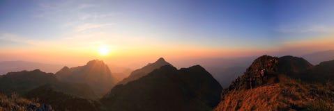 Alta montagna di vista di panorama Fotografia Stock