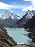 Alta montagna e lago Fotografia Stock Libera da Diritti