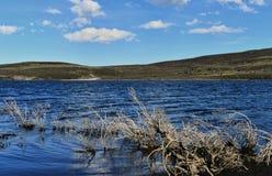 Alta montagna e lago Yibi Fotografie Stock