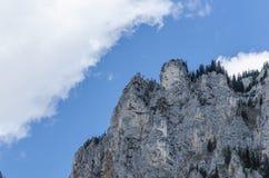 alta montagna e nuvole Fotografie Stock Libere da Diritti