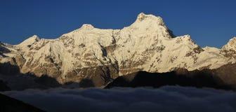 Alta montagna nella valle di Gokyo, l'Everest Nationalpark, N Immagine Stock Libera da Diritti