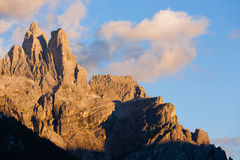 Alta montagna a penombra Fotografia Stock