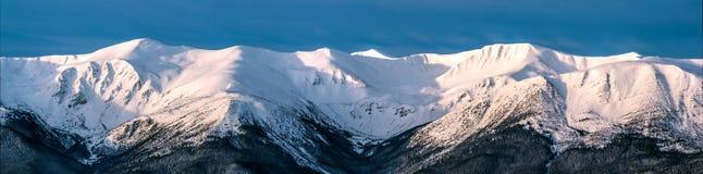 Alta montagna Ridge immagini stock