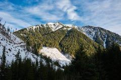 Alta montagna sull'inverno Immagine Stock