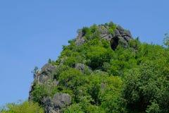 Alta montagna a tempo la mattina Bello blu naturale del paesaggio Fotografie Stock