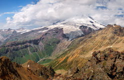 Alta montagna in valle Fotografie Stock Libere da Diritti