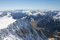 Alta opinión de la cordillera de Zugspitze, Alemania Imágenes de archivo libres de regalías