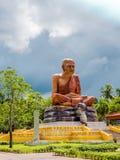 alta pagoda gialla del ชthe in tempio delle tenaglie di colpo Immagini Stock Libere da Diritti