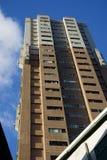 Alta palazzina di appartamenti Fotografia Stock
