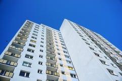 Alta palazzina di appartamenti Immagine Stock