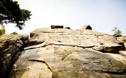 Alta parete della roccia Fotografie Stock