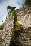 Alta parete di pietra Immagini Stock Libere da Diritti