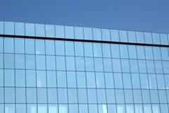 Alta parete di vetro blu Immagini Stock