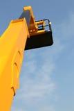 Alta piattaforma per lavoro industriale nell'elevazione Immagini Stock
