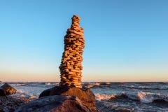 Alta pila di pietre Immagini Stock