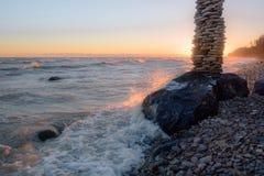 Alta pila sulla costa Immagine Stock Libera da Diritti
