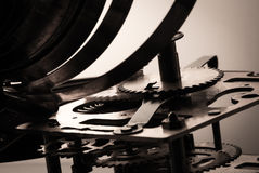 Alta risoluzione del meccanismo dell'orologio Fuoco sugli ingranaggi centrali Immagini Stock