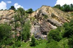 Alta roccia dal udoli naturale di Prokopske di prenotazione, Praga Fotografie Stock