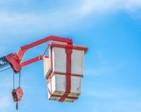 Alta scala con il canestro di salvataggio Immagini Stock