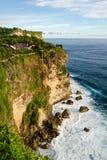 Alta scogliera al tempio di Uluwatu, Bali, Indonesia Fotografie Stock Libere da Diritti