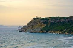 Alta scogliera sull'isola di Corfù, Grecia Immagini Stock
