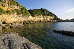Alta scogliera sull'isola di Corfù, Grecia Fotografia Stock