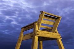 Alta sedia di legno della salvavita Fotografia Stock