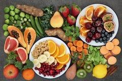 Alta selezione della frutta e della verdura della fibra Fotografie Stock Libere da Diritti