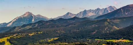 Alta sera della cresta della montagna di Tatra in Polonia Fotografia Stock