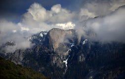 Alta sierra dramma vicino al parco nazionale della sequoia in California Fotografia Stock Libera da Diritti