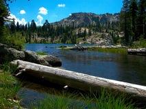 Alta sierra lago alpino Fotografie Stock