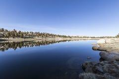 Alta sierra lago in bacino del pioppo Immagine Stock Libera da Diritti