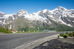 Alta strada alpina Fotografia Stock