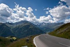 Alta strada alpina - Grossglocnkner Immagine Stock