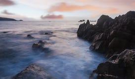 Alta tecnica della gamma dinamica di vista sul mare nella penombra Fotografia Stock