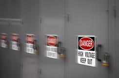 A alta tensão do perigo mantém-se para fora Imagens de Stock