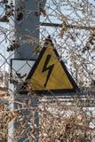 Alta tensione del segnale di pericolo Fotografia Stock Libera da Diritti