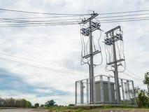 Alta tensione della sottostazione e del gemello di elettricità Fotografia Stock Libera da Diritti