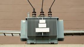 Alta tensione elettrica del trasformatore Fotografie Stock