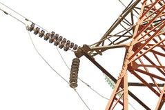 Alta tensione elettrica della torre su bianco Immagine Stock