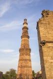Alta torre del minareto Fotografia Stock