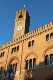 Alta torre del palazzo dei trecento nel segno di dei della piazza Immagine Stock