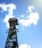 Alta torre del proiettore installata allo stadio Fotografia Stock Libera da Diritti