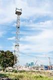 Alta torre del riflettore Fotografia Stock