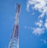 Alta torre del trasmettitore Fotografia Stock