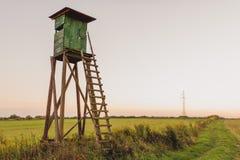 Alta torre di caccia di legno Torre dei cacciatori Fotografia Stock Libera da Diritti