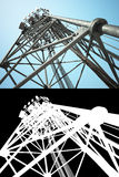 Alta torre di telecomunicazioni Fotografie Stock Libere da Diritti