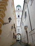 Alta torre di una chiesa famosa in passau Immagine Stock
