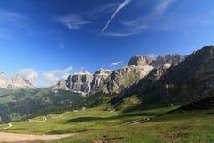 Alta valle di Fassa su estate Fotografia Stock Libera da Diritti